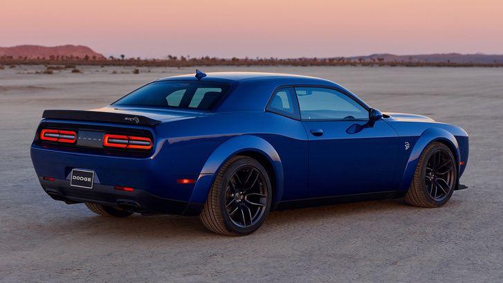 Uj Nyolcszaz Lovas Dodge Keszul Dodge Challenger