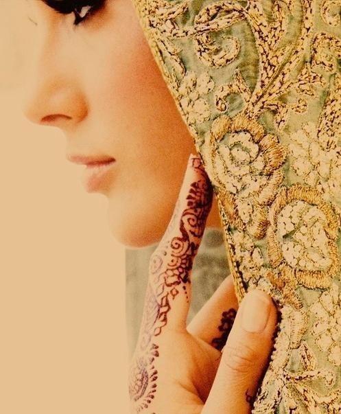 Bridal veil for a muslim bride