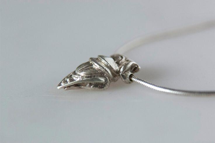Attila Palkovics (hungarian jeweler) - Scarab  1,5 cm x 0.5 cm  sterling silver