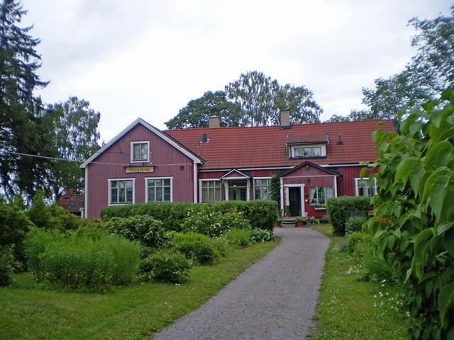 Upplands-Bro, Håtuna gård