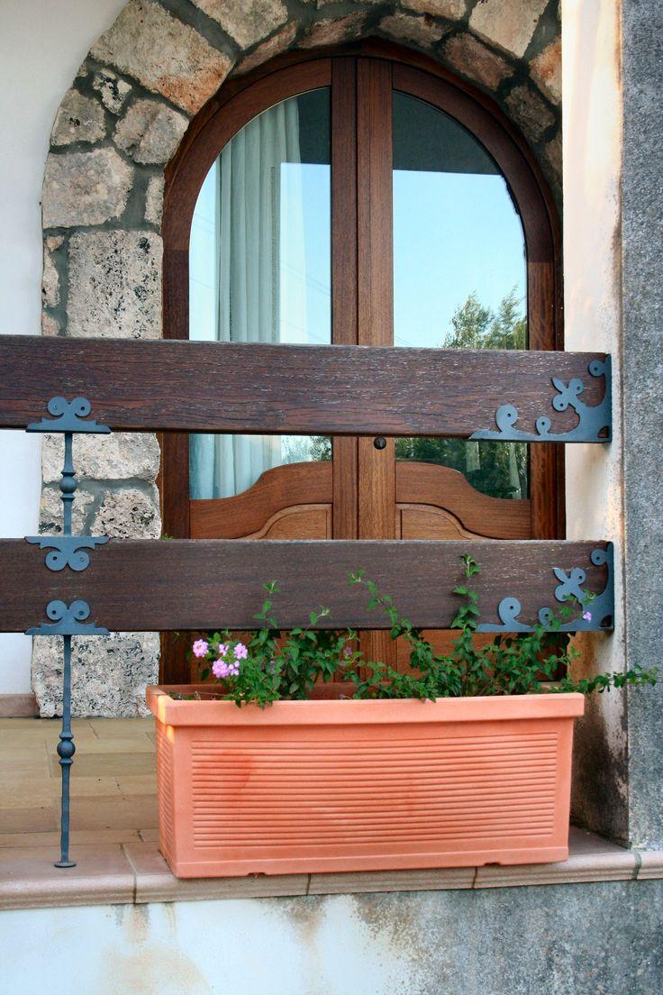 balustra e porta esterna