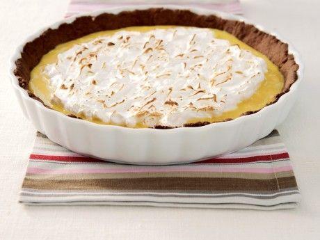 Den italienska marängen är mjuk och en aning seg i konsistensen, och påminner om fyllningen i en kokosboll.