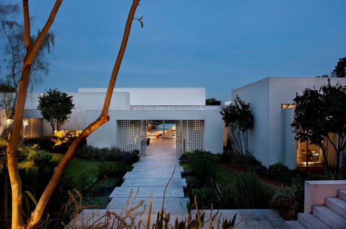 Modern home that gives a sense of freedom and space with maximum modesty and warmth - CAANdesign | Architecture and home design blog