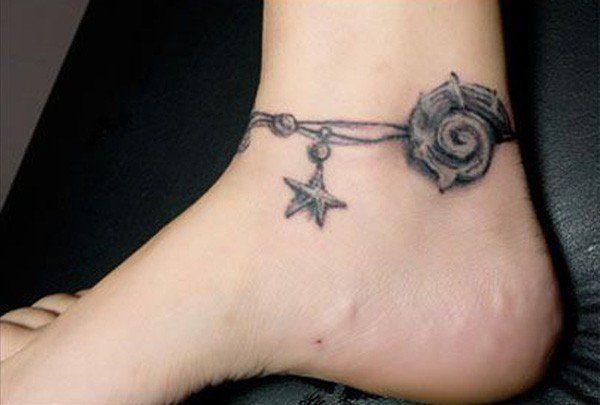 Tatuagens inspiradas em conchas e elementos da vida marinha