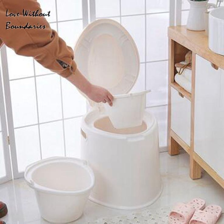 Commode chair The portable plastic The adult toilet