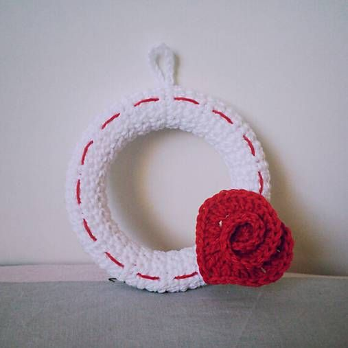 Crochet Valentine wreath kaizerka / Valentínsky venček