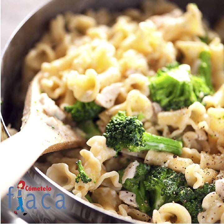 Sabores colombianos en un solo plato! Prepara mi ensalada de pasta con aderezo italiano que solo contiene 493 calorías   Colombian flavors in one dish! Prepare my pasta salad with Italian dressing that only contains 493 calories  by Pachi Website: http://pachi.com/ Bloggler: http://ift.tt/2oqsHqb Facebook: http://ift.tt/2pxPIfu Twitter: https://twitter.com/PachiMcCausland Instagram: http://ift.tt/2oqEfJP