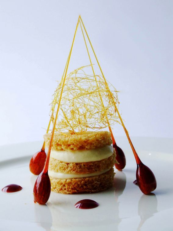 Gingerbread, White Chocolate Cream - Traditional flavors with an incredibly modern presentation