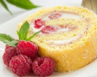 Gâteau roulé léger aux framboises