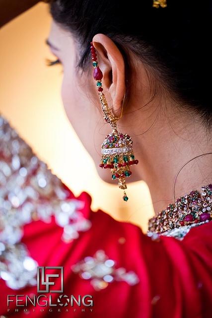 Pakistani bride wedding earrings