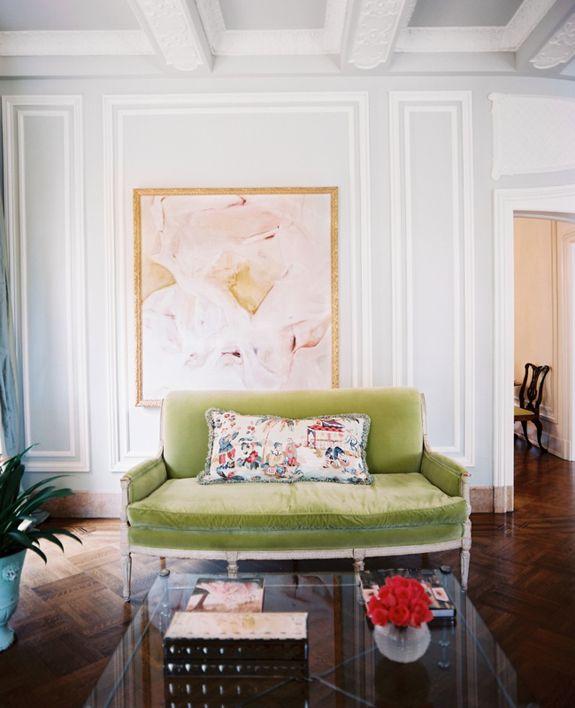 green couchDecor, Velvet Sette, Colors, Livingroom, Art, Interiors Design, Living Room, Green Sofas, Green Velvet