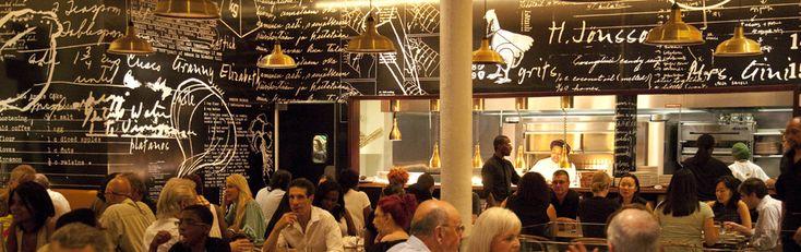 Named after the legendary Harlem speakeasy, Red Rooster brings jazz and cocktails back to Harlem.