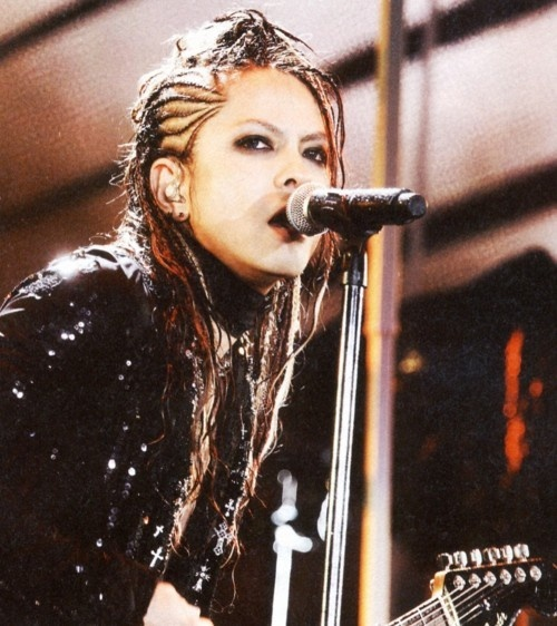 L'Arc~en~Ciel's Hyde looking VERY delicious