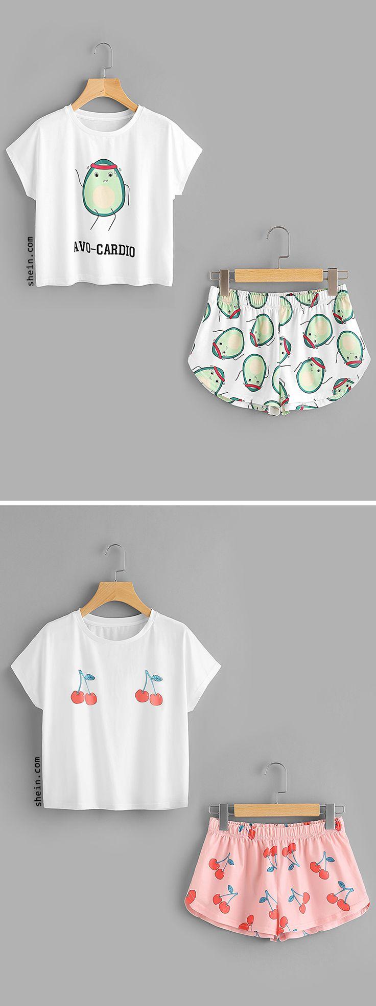 Cartoon Avocado Print Tee And Shorts Set