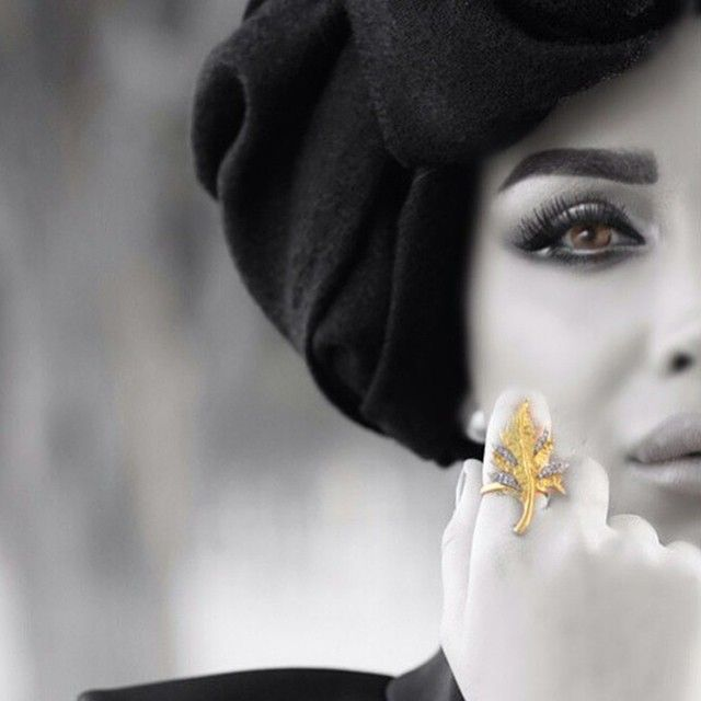 Carlo Giuliano Jewellery - Le Foglie ring, uniquely handcrafted worn by @balqeesq8_blog