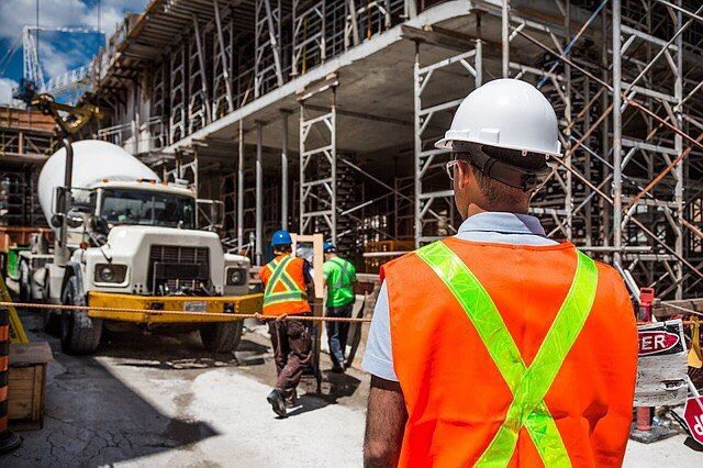 Its a new year and we are kicking things off this month with a CPC40110 Certificate IV in Building and Construction on Monday 22 in Brookvale and on Tuesday 23 in The Entrance. . . . #constructiontradequalifications #ctq #builderseducatingbuilders #centralcoast #centralcoastnsw #education #training #students #qualified #qualifications #newskills #skillsforlife #building #construction #constructionsite #constructionworker #workers #work #jobsearch #newjob #safety #safetyfirst #tools #totaltools #toolsofthetrade #carpenter #chippy #bricky #certificate #certiv