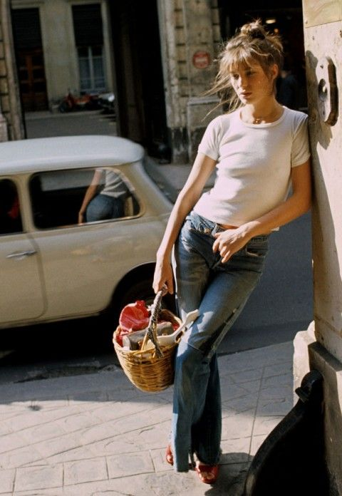 jane birkin - jane birkin pictures - style icon - fashion icon - 1960s - serge gainsbourg                                                                                                                                                     Más
