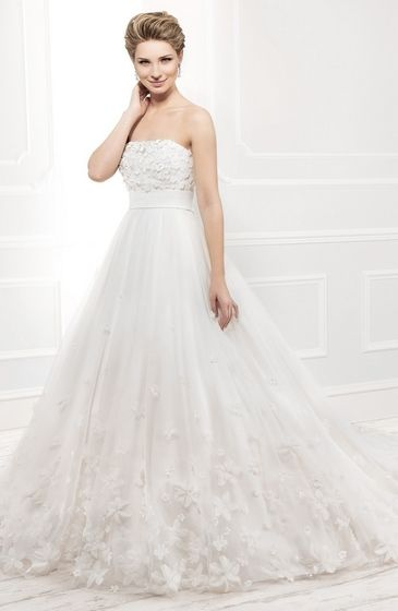 Style:11401 soft tulle ball gown
