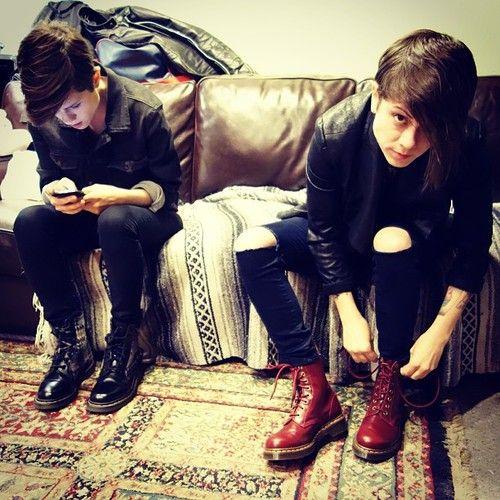 Tegan and Sara--Style--- LOOVE those boots