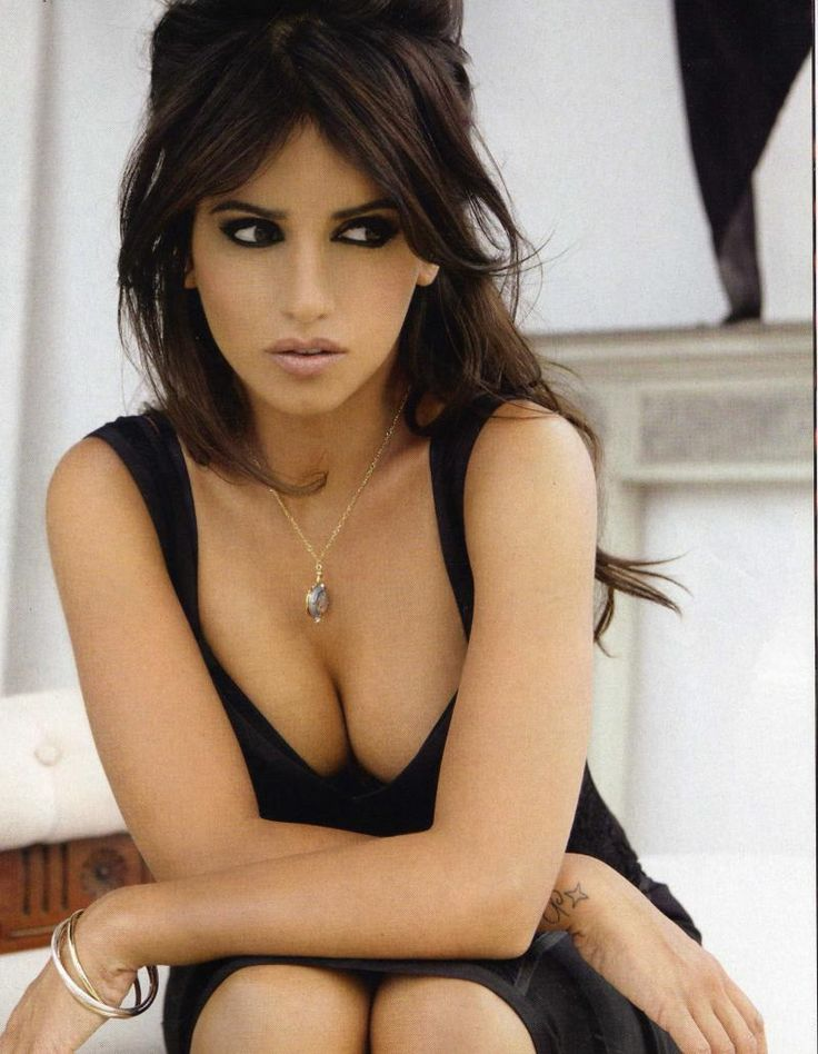 Monica Cruz; dark eye w/ rosy nude lip and simply elegant little black dress... Perfect date night look.