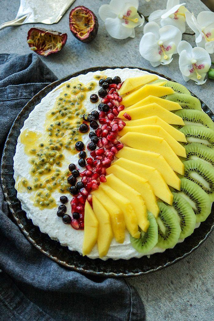 Kuchen Rezept Ohne Backen Eine Kostliche Kuhlschranktorte Mit Frischem Obst Und Einer Creme Aus Griechischem Joghurt Und Quark Rezepte Joghurt Dessert Essen