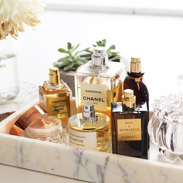 I love this tray. I use trays to hold perfume all the time. I love the use of marble. It is unique but still feminine. It is also simple enough not to be distracting or over-powering.