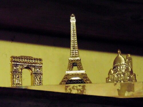 Paris. Mini Torre Eiffel  Fotografia de uno de los lugares mas romanticos ✌