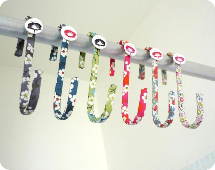 Crochet en Liberty multi-usages. €5,00, via Etsy.