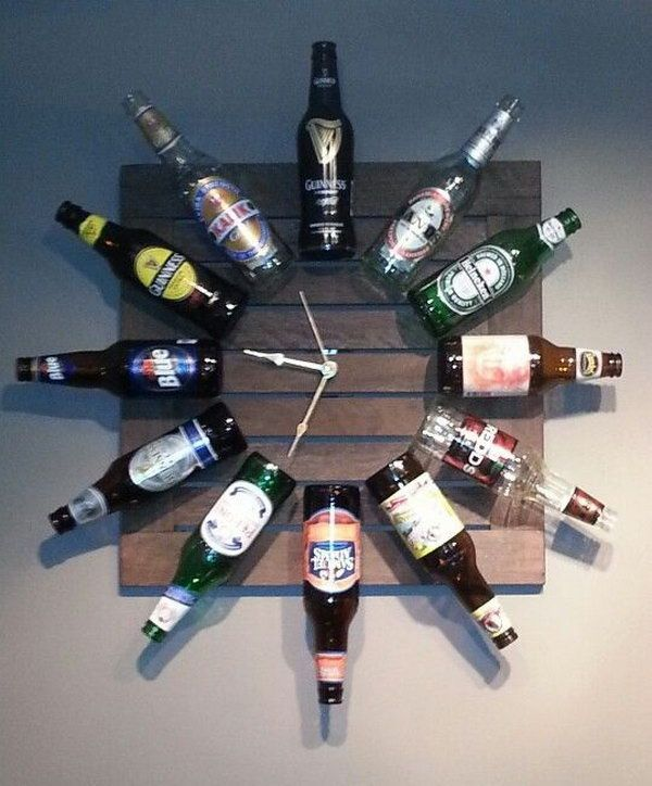 DIY Beer Bottle Clock http://hative.com/man-cave-stuff-ideas/