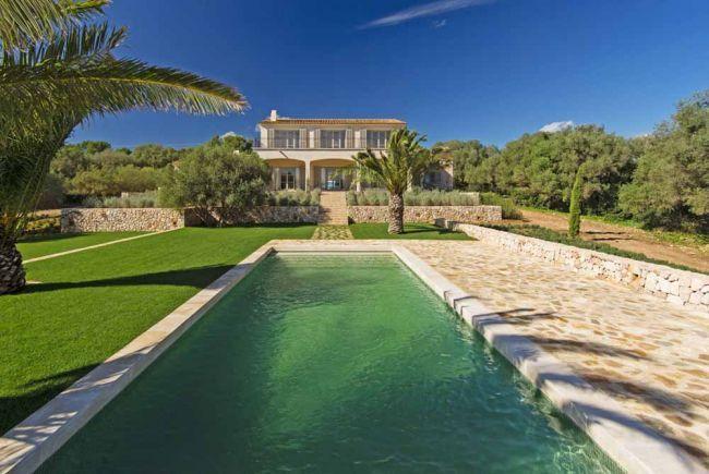 Moderne Finca mit Meerblick in Portocolom   Mallorca   Spanien