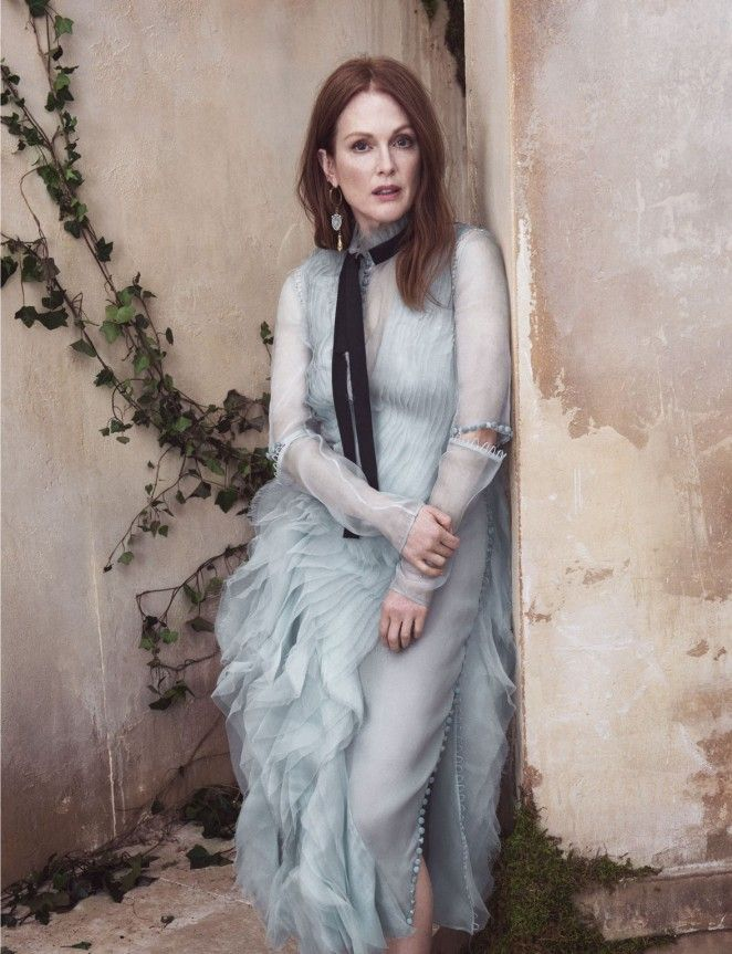 Beauty Mags: Julianne Moore   The Edit US May 2016