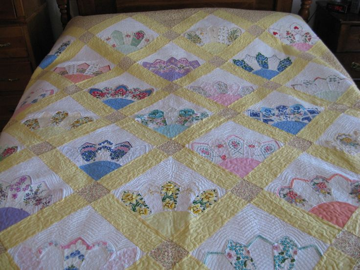 15 best Hanky quilts images on Pinterest | Vintage linen ... : handkerchief quilts instructions - Adamdwight.com