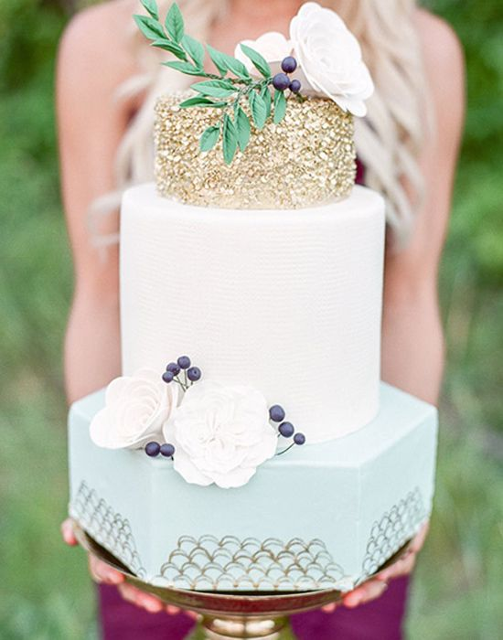 100 Wedding Cakes that WOW | This sparkly topped masterpiece is not only glamorous but looks like it tastes like a little slice of heaven. See these Glamorous Wedding Cakes here captured by Brittany Mahood with cake by Jenna Rae Cakes.