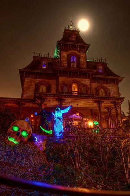 Phantom Manor at halloween,Disneyland Paris