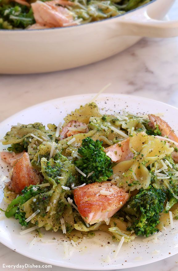 Salmon Pesto Pasta With Broccoli