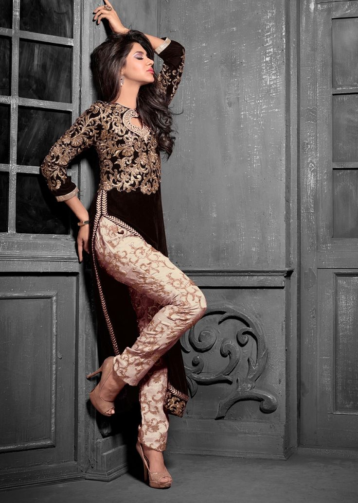 This designer outfit is made of Georgette /Velvet with intricate embroidery.^^Latest addition for Party/Bridal Wear.^^Resham / Beading / Sequins / Crystals. Type: Churidar Suit, Colour: Blue, Occasion: Party Wear, Casual Wear, Bridal Wear, Fabric & Care: Georgette /Velvet.^approx measurements, Bust 44, Length 53