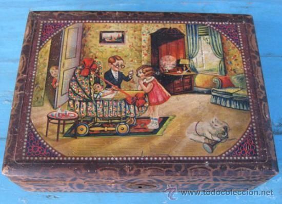 antigua caja de madera infantil tipo cabage medidas x cm le falta