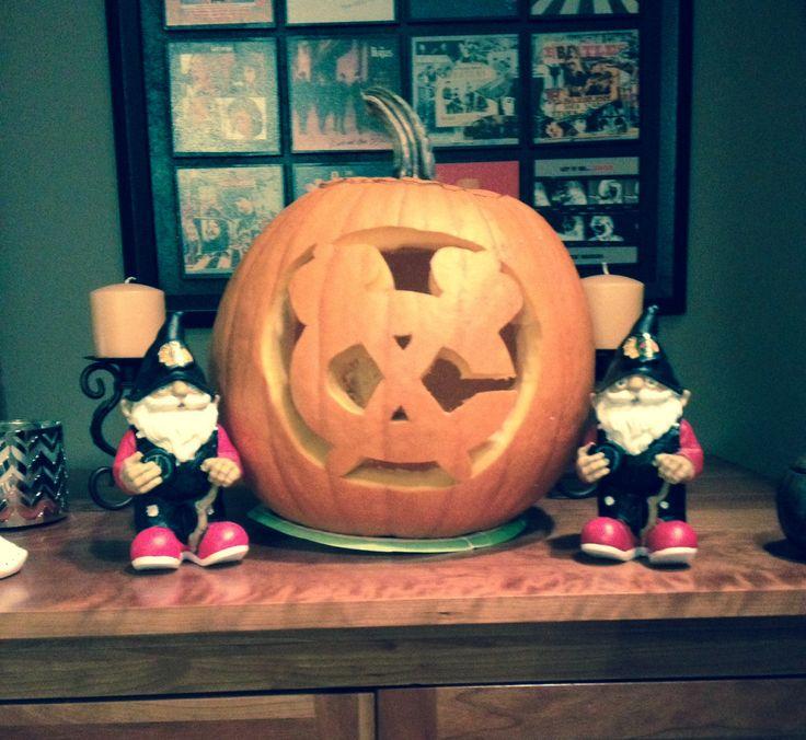 made a chicago blackhawks pumpkin this year