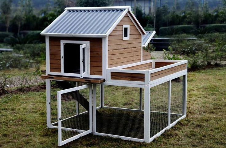 The Garden Girls- Chicken Coop - Quality tongue and groove Construction! - Fashion plastic roof - Heavy duty galvanized wire - Hinged Door for easy access for Cleaning, Refilling Food and Water - Larg