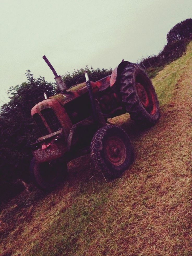 My dads old steam tractor...