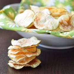 How to make crispy potato chips in the microwave. Really!
