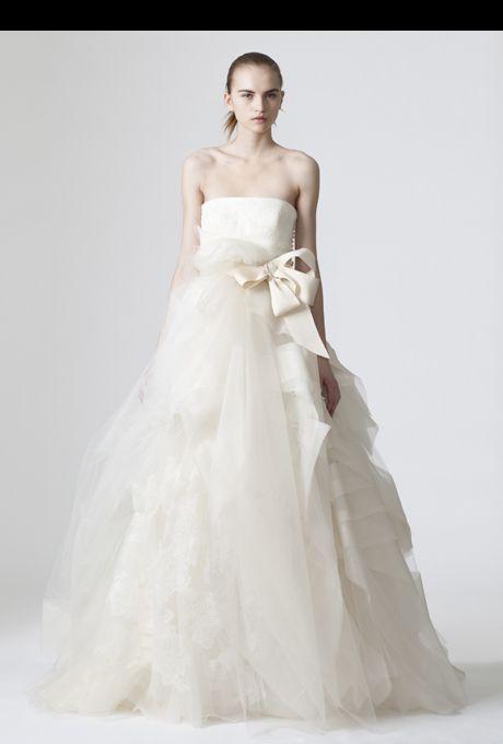 21 best Wedding dresses images on Pinterest | Wedding dressses ...