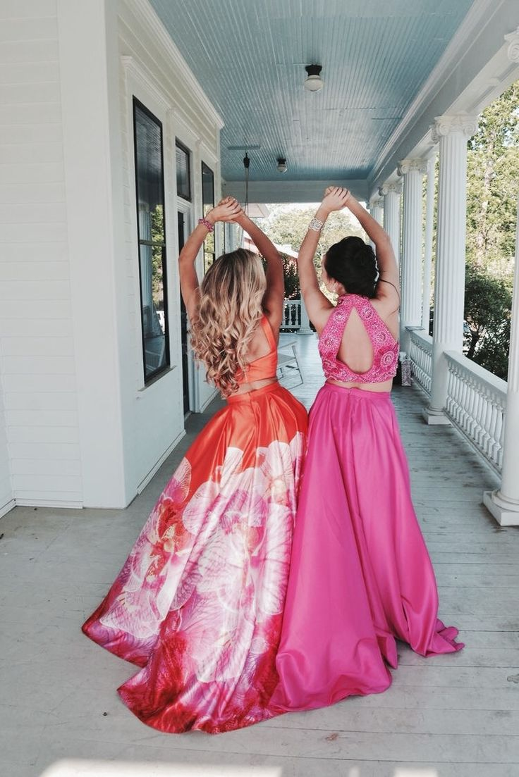 Best friends photography idea prom style photography