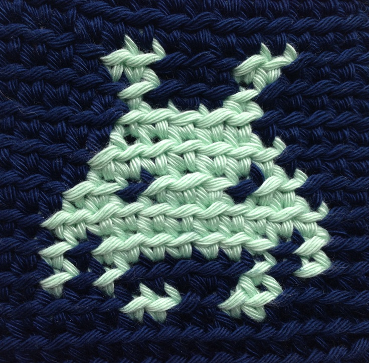 Space invaders jacquard crochet