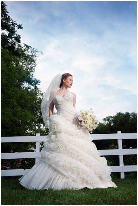 karen hendrix couture romantic wedding dress via www.frenchweddingstyle.com #weddingdress