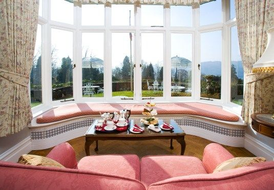 A great spot in #Windermere for watching the changeable weather come and go! Add #AfternoonTea and you're in for a real treat! http://www.lindethfell.co.uk/afternoontea.php