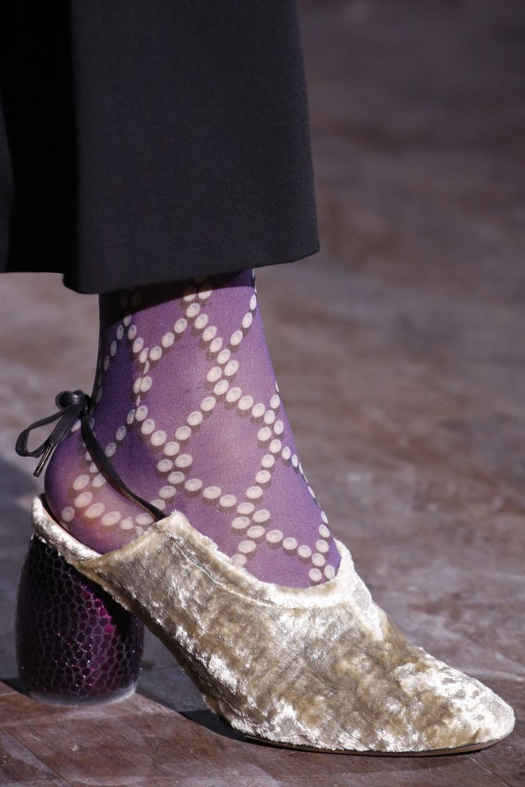 Dries Van Noten Fall 2016 Ready-to-Wear Fashion Show Details