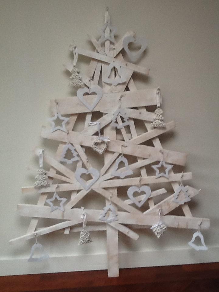 Kerstboom van douglas hout, wit