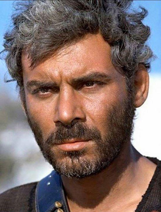 Gian Maria Volonté (Por un puñado de dólares y La muerte tenía un precio), ambas de Sergio Leone