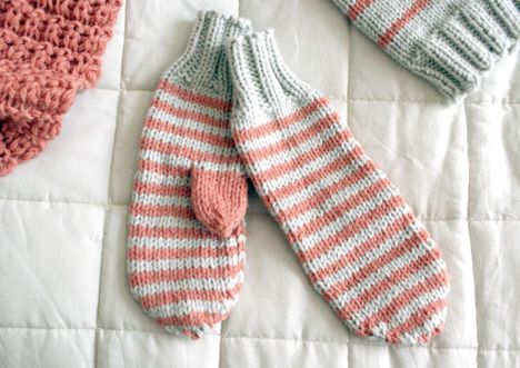 Hello New York - Mittens - Hello New York - Winter accessories - free pattern - Pickles